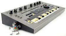 Roland MC-303 Synthesizer 303 808 909 Jupiter Juno +OVP Neuwertig +1.5J Garantie