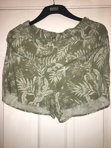 New Look Ladies Shorts Size 12 Excellent Condition