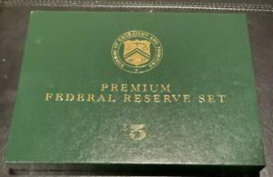 2000 Series of 1999 $5 Premium Federal Reserve Currency Set  Serial # 1044