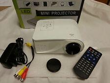 MINI PROIETTORE X6 VIDEOPROIETTORE PROJECTOR AV VGA USB HDMI SD LCD TFT LED PC
