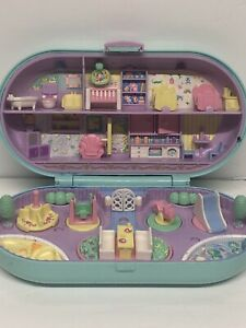 Vintage 1992 Bluebird - Polly Pocket - Babysitting Stamper Nursery Playset