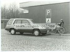 TOYOTA Tercel 4WD Behindertenparkplatz Foto Fotografie Auto Automobil Pressefoto