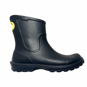 Crocs Wellie Rain Boots Mens Size 8 Black Mid Height