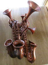Steampunk saxophonetrumpetulator saxo trompette instrument scientifique fou laboratoire