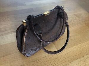 Damentasche Abendtasche Handtasche Leder braun vintage Straußenleder Goldpfeil
