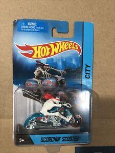 Hot Wheels Scorchin Scooter W/Skeleton Rider Diecast 2011 Halloween
