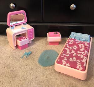 VTG 1970's Barbie dream House Bedroom Furniture By Mattel