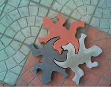 2 pcs Plastic MOLDS of Lizard for Concrete Garden Stepping Stone Path