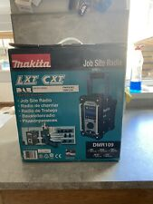 Makita DMR109W 18V Job Site Radio - Blue