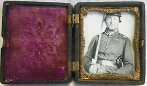 BEAUTIFUL GUTTA PERCHA CASE WITH CIVIL WAR PICTURE OF SOLDIER