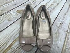Me To Womens Size 6.5M Patent Leather Tan Flats Peek Toe Bows Nordstrom GUC
