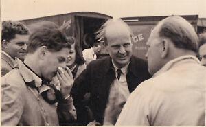 DENNIS POOLE, ERIC THOMPSON & REG PARNELL, IN PADDOCK BOREHAM JUNE1952 PHOTO