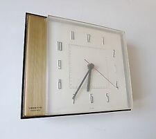 horloge pendule vedette transistor vintage deco années 60 70 design métal 1970