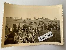 Foto Polen bei Augustów Pferdegespann mit Fliegerschutz Wehrmacht 1941 (1805x)