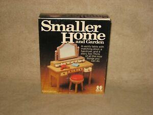 Tomy Smaller Homes Dollhouse Vanity Table & Stool Set Home Garden Doll House