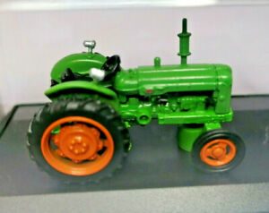 Oxford Diecast OO Gauge Fordson Tractor - Green with red wheels 1:76 scale