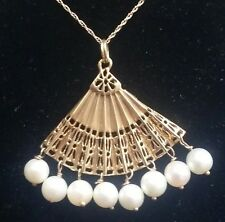 VINTAGE 14K Solid  Gold 1960s  Hand Fan with 8 Cultural Pearls Pendant / Charm