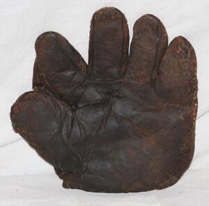 1900-10 Adult Full Web, Store Model Baseball Glove