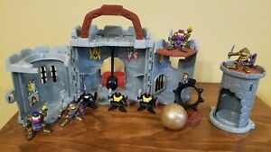 Vintage 1998 Fisher Price Great Adventures Mini Castle Knights & Catopult Ball