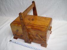 boite à couture travailleuse en bois d'olivier bon état