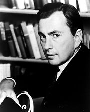 WRITER GORE VIDAL IN A 1969 PORTRAIT - 8X10 PHOTO (ZZ-067)