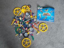 K'NEX COLOUR CODED BUILDING SYSTEM (275+ PIECES AND INSTRUCTION MANUAL)