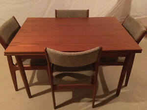 Danish Modern Mid Century Teak wood Dining Table and 4 Chairs