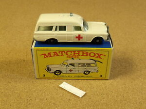 OLD VINTAGE LESNEY MATCHBOX # 3 MERCEDES BENZ AMBULANCE ORIGINAL BOX