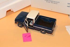 A5 Danbury Mint 1966 Chevrolet C10 Pickup 1:24 Blue & White, No COA