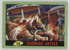 2012 Topps Heritage Mars Attacks! Green #22 Burning Cattle Non-Sports Card 5d7
