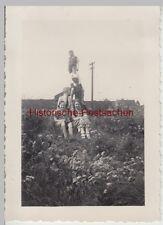 (F14147) Orig. Foto Kinder posieren vor u. turnen auf Holzbalken 1936