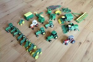 Ertl 25 Piece Farm Toy Tractor Lot 1/64 Collectibles John Deere Case Massey