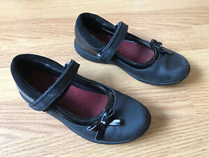 Clarks girls black leather school shoes size 11 F eur 29