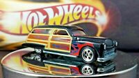Hot Wheels Purple Passion Woodie    Black and Flames Surf Board 1:64 REAL RIDERS