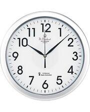 Horloge radio-pilotée éclairée