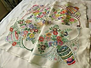 VINTAGE HAND EMBROIDERED LINEN TABLECLOTH- BEAUTIFUL  RAISED FLORAL BOUQUETS