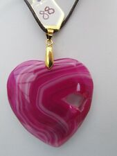 A PEACHBLOW DRUZY GEODE AGATE HEART PENDANT ON A WAXED CORD NECKLACE.  (88).