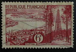 Timbre poste. France. n°1036. série touristique. année 1956.