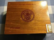 "BAUZA Cigar Collectible wood Box - empty - ""Pyramids"" from Dominican Republic."