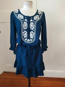 Collette by Collette Dinnigan size S blue silk white embroidered cocktail dress