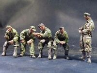 1/35 Scale Unpainted Resin Figures WWII German armored force resting (5 figures)