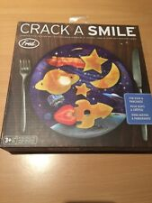 Fred & Friends Crack a Smile Breakfast Egg/Pancake Mould and Plate Set - Space