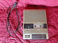 Ancien magnétophone à cassettes portatif  ITT/SL 520-Hi-Fi-son vintage