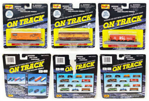 Maisto On Track Lot of 3 Die Cast Metal Toy Train Cars with Tracks