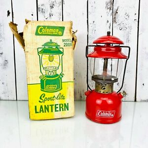 Vintage Coleman Lantern Model 200A Good Condition Whit Original Box