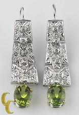 14k ORO BLANCO PENDIENTES LARGOS CON Redonda Corte Diamantes & Ovalado Verde