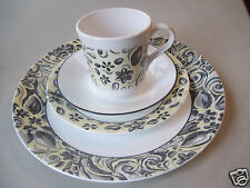 """Set Of 4 Corning Corelle 10"""" Dinner Plate 7"""" Salad Plate  & Cup & Saucer"""