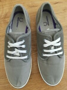 Fred Perry Designer Women Grey/Green Canvas Pumps Trainers Shoes Size UK 4 EU 37
