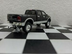 Custom made1/64 2017 Dodge Ram 2500 4x4 TRUCK farm hitch Tow Ertl CUMMINS diesel