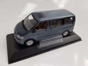 1/43 Minichamps VW T5 Multivan graublau